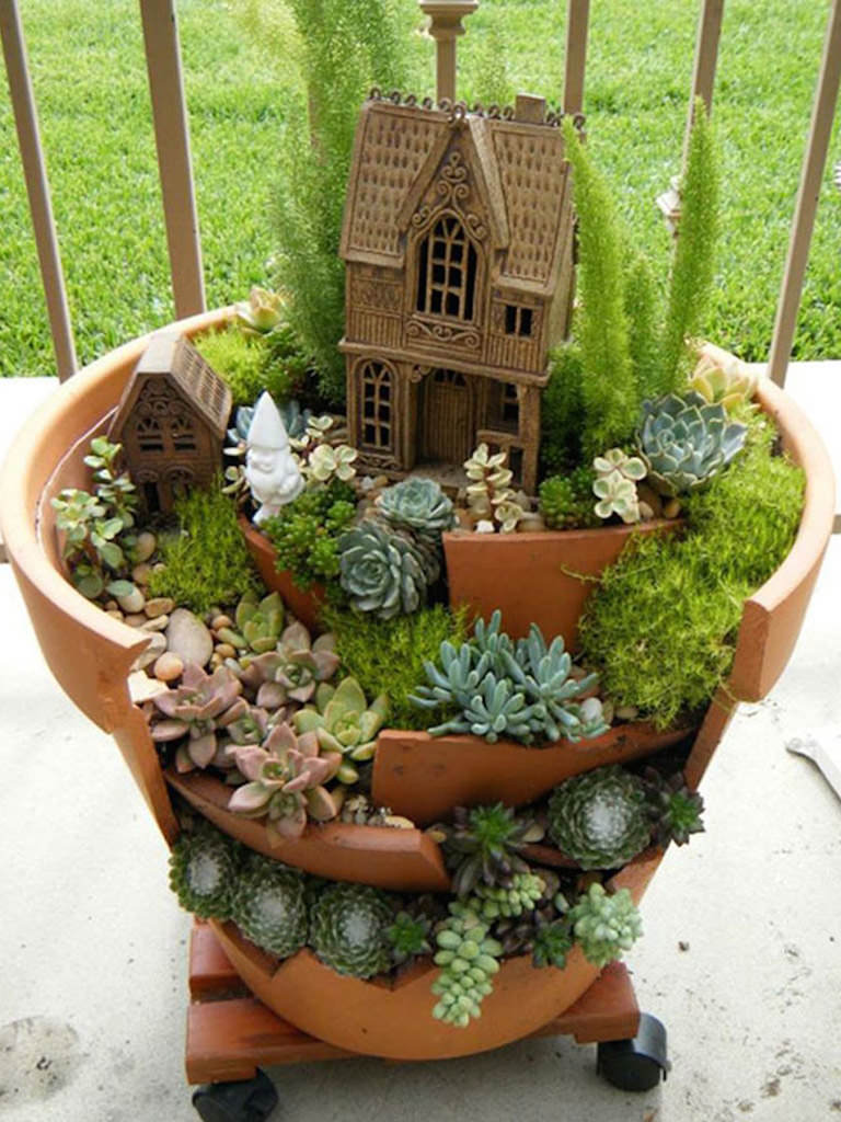 Gnome Garden: Fairy Gardens With Succulents From Broken Pots